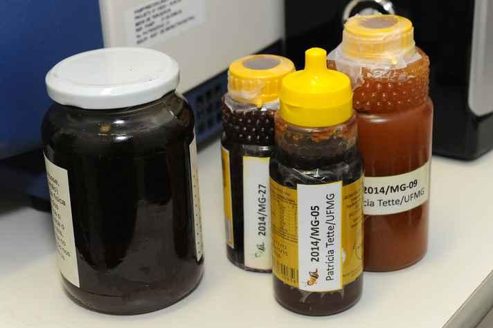 Amostras de mel analisadas em laboratório: apenas uma continha pesticida