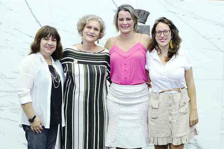 Da esquerda para a direita, as quatro vereadoras da atual legislatura da Câmara Municipal de Belo Horizonte: Marilda Portela, Cida Falabella, Nely Aquino e Bela Gonçalves.