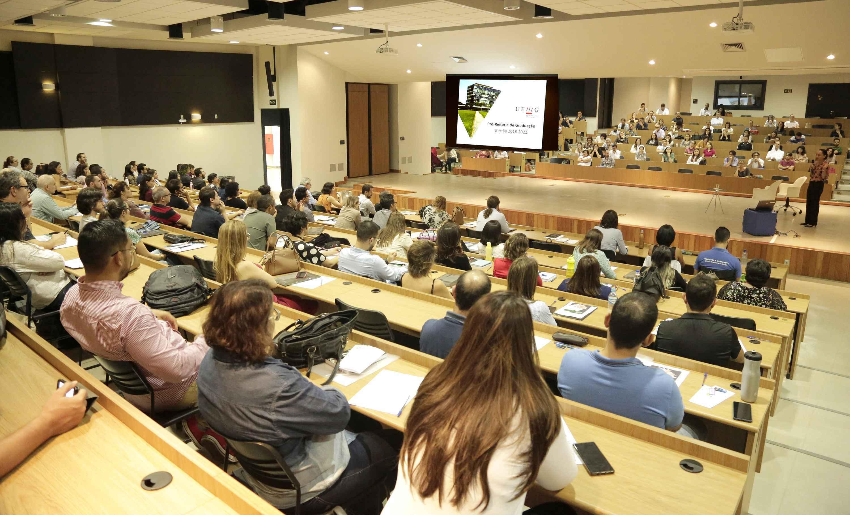 Encontro no CAD3 reuniu professores com menos de três anos de carreira na UFMG