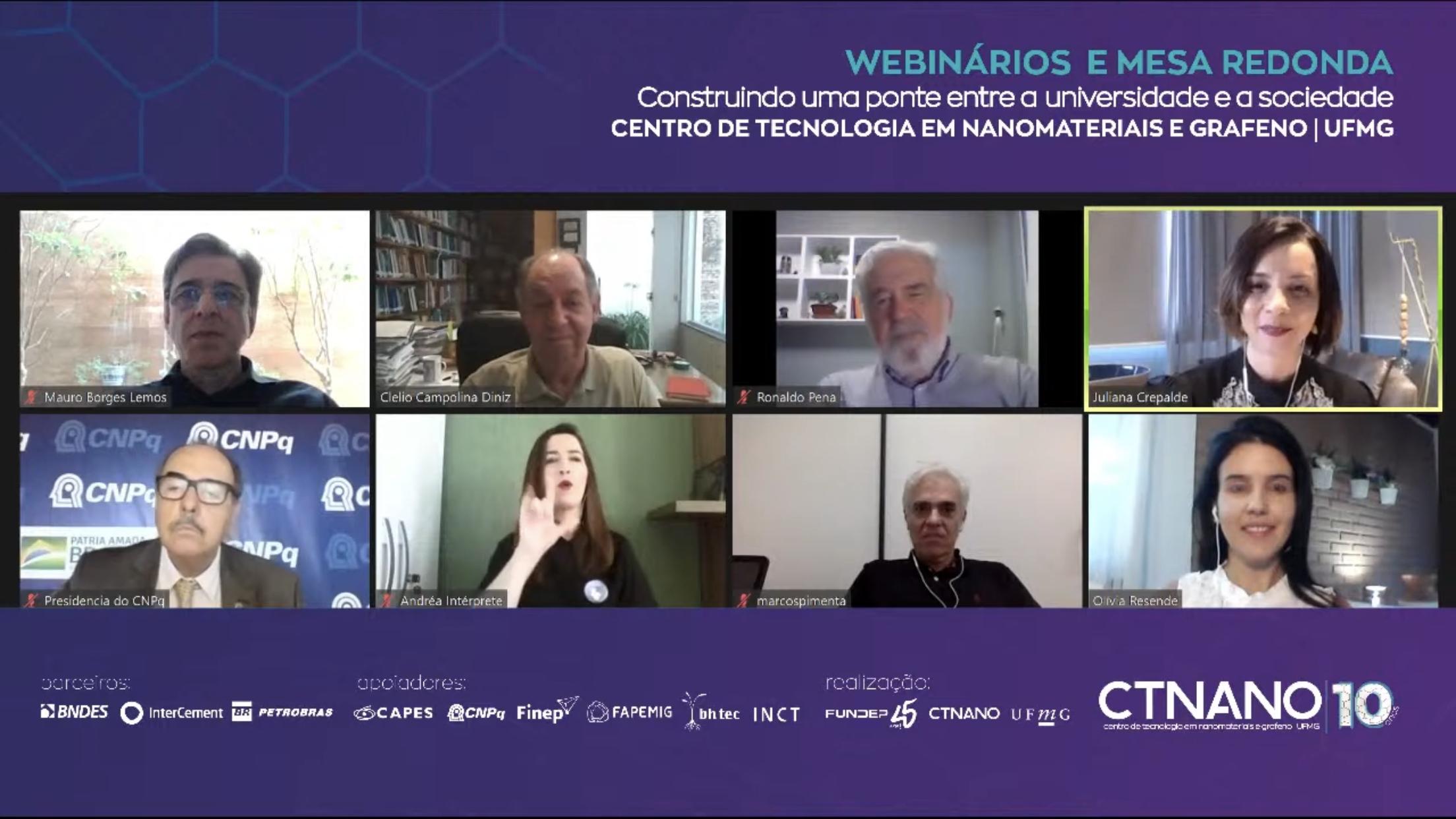 Mesa reuniu gestores de ciência e tecnologia; Marcos Pimenta (segundo da direita para a esquerda na segunda fila) é o coordenador do CTNano