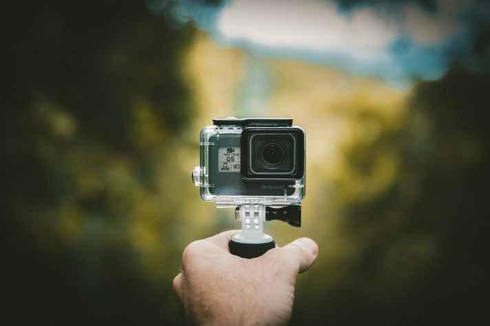 Câmeras do tipo GoPro são usadas para fazer vídeos em primeira pessoa