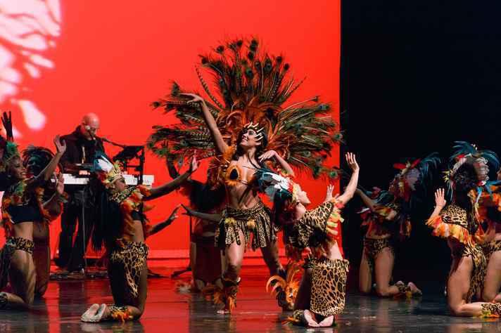 Grupo Sarandeiros, de dança folclórica, é uma das atrações do Festival