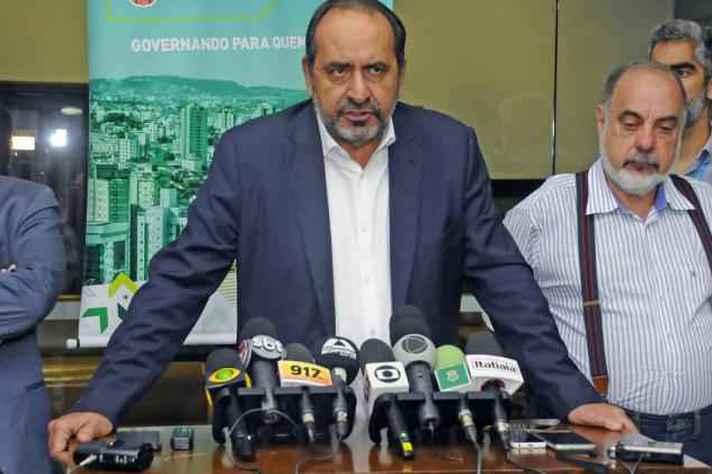 Prefeito Alexandre Kalil anuncia medidas para evitar tragédias com chuva