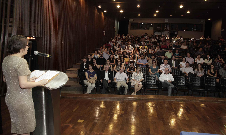 Cerimônia de entrega do prêmio realizada no ano passado, no auditório da Reitoria