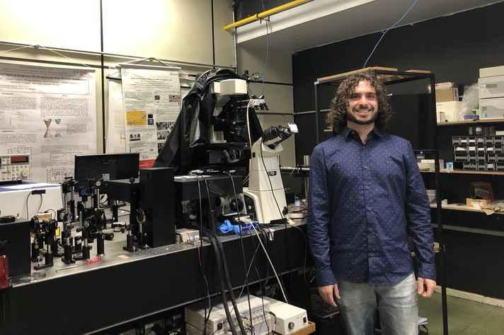 Andreij Gadelha desenvolveu um dispositivo capaz de armazenar dados por mais tempo