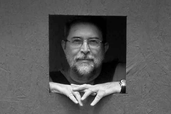 Hélio Siqueira: cerâmica sem função utilitária