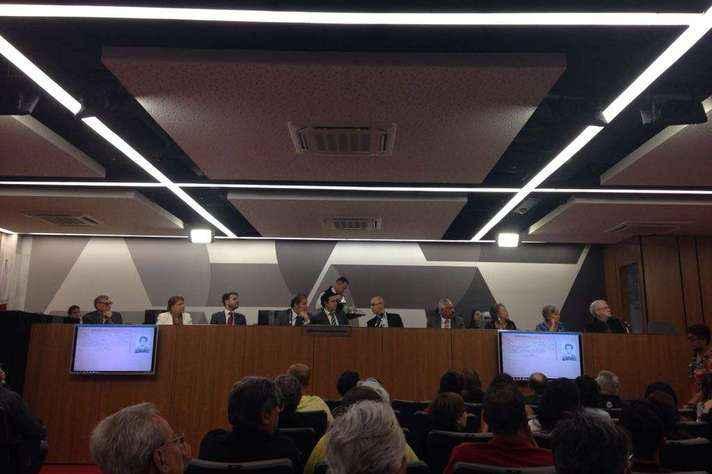 Relatório, que tem mais de 1,7 mil páginas, foi apresentado em audiência na Assembleia Legislativa