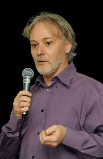 Diretor de Divulgação Científica da UFMG, Yurij Castelfranchi falará sobre as fake news científicas