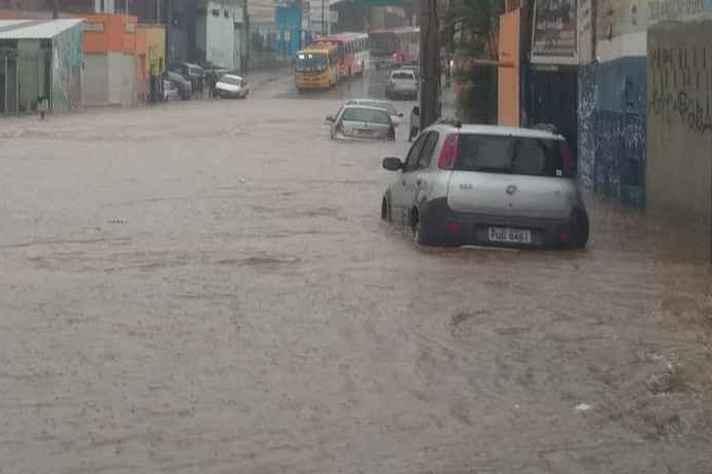 Avenida Vilarinho, em BH, é um dos principais pontos de alagamento da cidade no período de chuvas