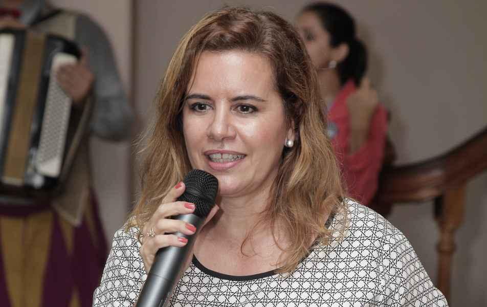 Vice-reitora Sandra Regina Goulart Almeida