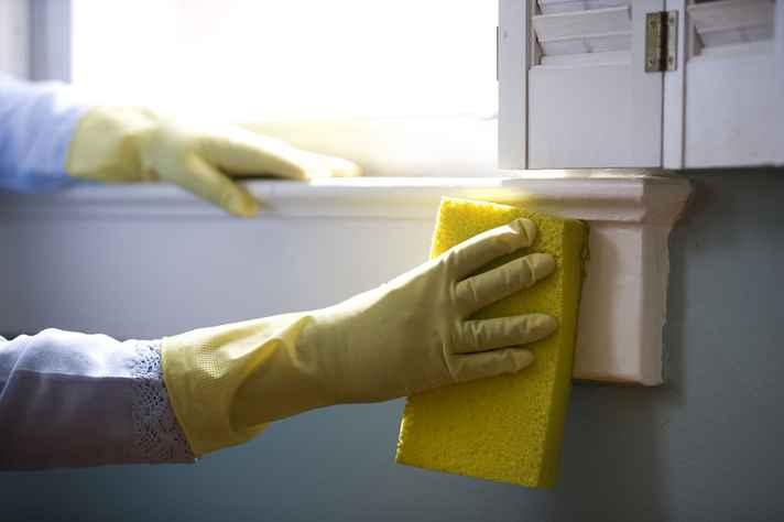 Crescimento da oferta de empego e renda provocou queda de participação das gerações mais novas no trabalho doméstico