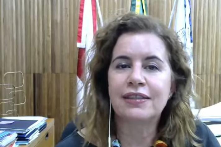 Reitora Sandra Regina Goulart Almeida: momento de luto e de mais cortes nas universidades públicas