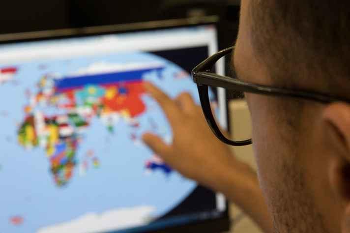 Atividades são realizadas com auxílio, principalmente, da tecnologia e das ferramentas de redes sociais