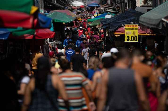 Avanço na abertura do comércio – como o que foi realizado nesta quinta-feira (6) em Manaus – vai colaborar diretamente com uma segunda onda pandêmica e um crescimento no número de mortes, alertam pesquisadores