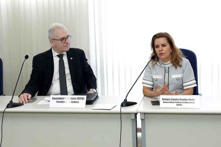 Emmanuel Tourinho e Sandra Goulart Almeida: desagravo
