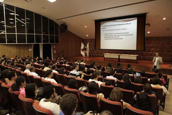 Campolina no CAD1: burocracia e infraestrutura são desafios dos emergentes