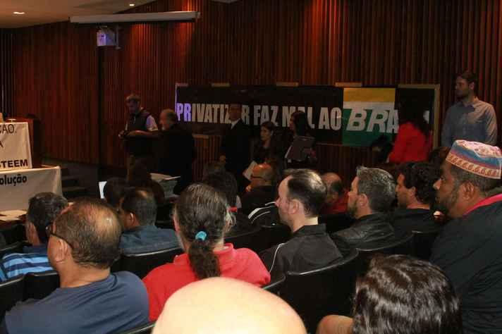 Audiência pública sobre a privatização do setor energético na Assembleia Legislativa do Paraná
