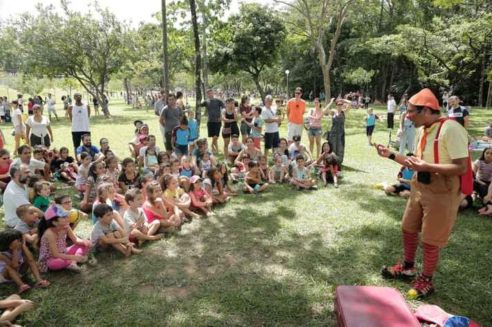 Atividade para as crianças no Bosque da Música