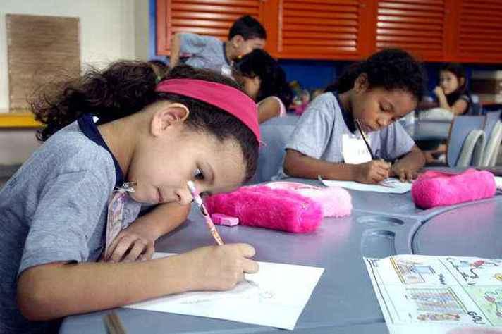 Especialistas defendem continuidade das avaliações da alfabetização para acompanhar a evolução dos alunos