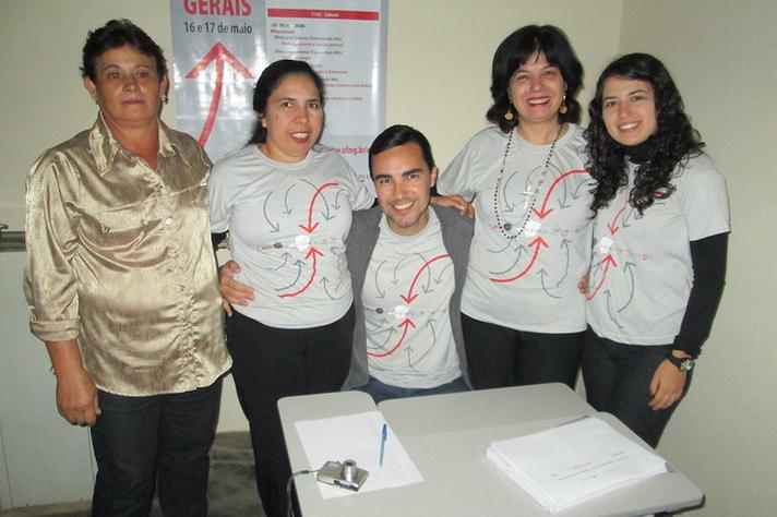 Equipe do Aproxime-se em evento em Campos Gerais (MG)