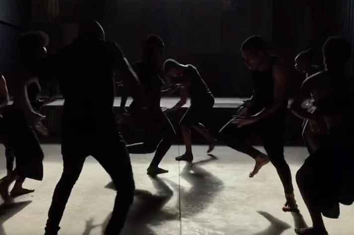 Cena do vídeo de apresentação da mostra 'Áfricos'