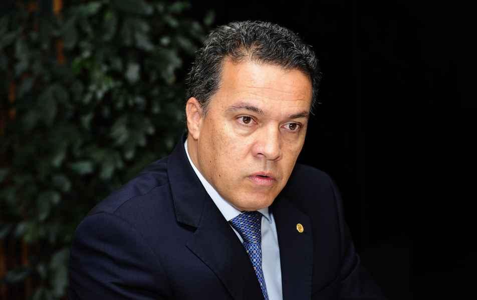 Reitor Jaime Arturo Ramírez .