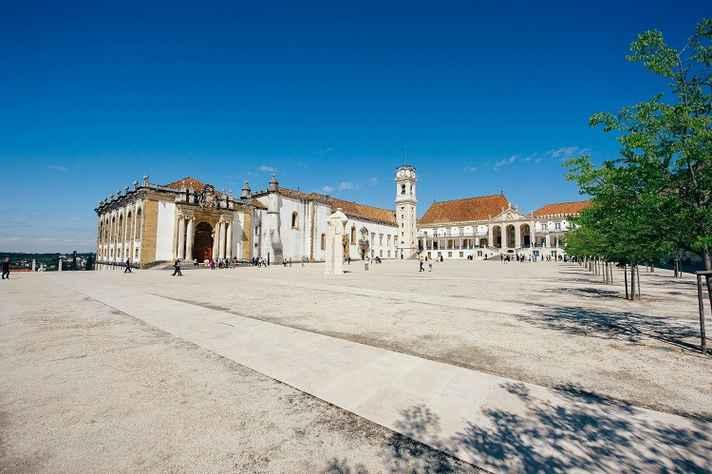 Acadêmicos da Universidade de Coimbra vêem com preocupação os desdobramentos das eleições no Brasil