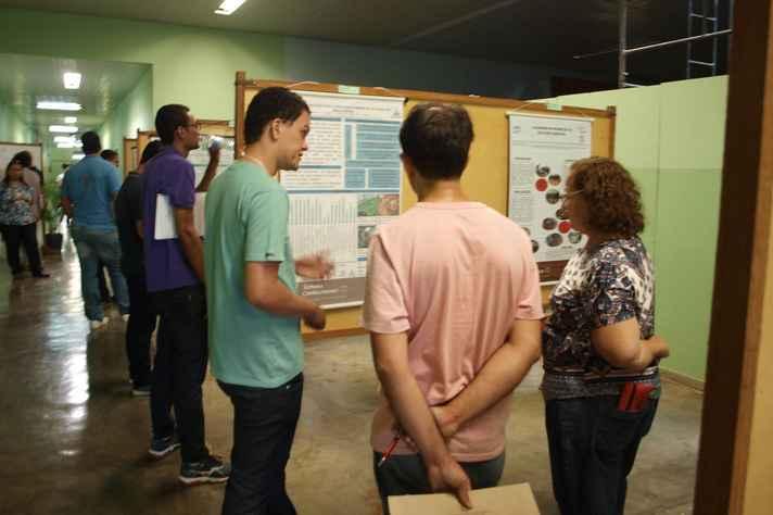 Apresentação de trabalhos no Instituto de Ciências Agrárias, campus Montes Claros