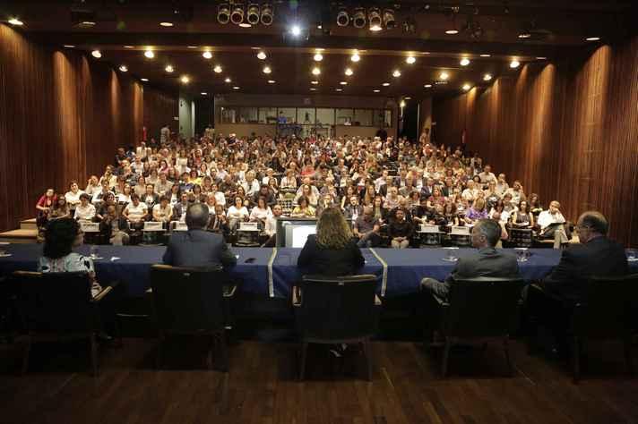 Abertura do seminário Prospect seminar on partnership building towards strongerengagement in international collaboration, no auditório da Reitoria