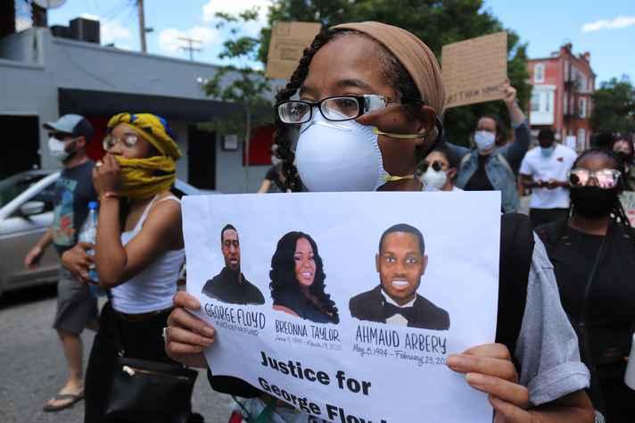 Protestos contra racismo eclodiram após assassinato de George Floyd