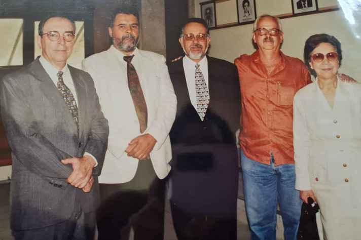 Guiomar Azevedo com ex-diretores em 1998, na celebração dos 30 anos de criação do IGC