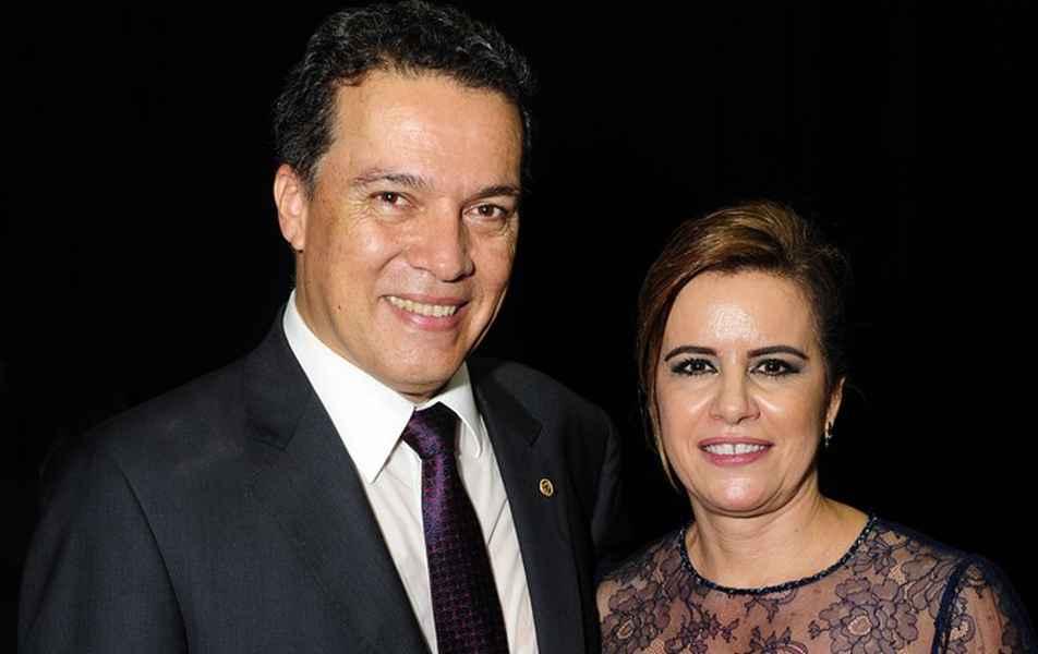 Reitor Jaime Ramírez e vice-reitora Sandra Goulart