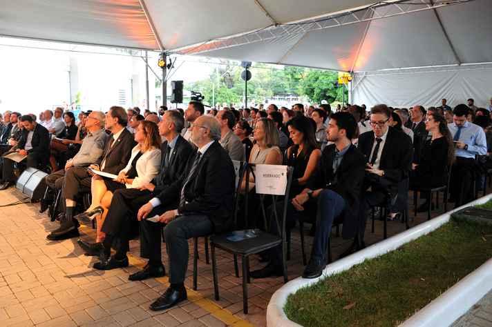 Centenas de convidados participaram da inauguração do CTNano