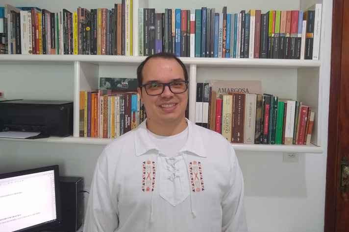Tarcísio Cordeiro destaca que os textos literários dialogam com a sociedade