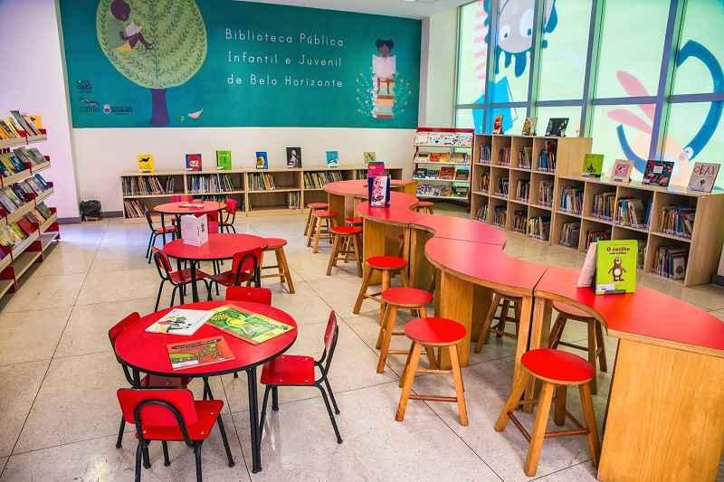 Fundado em 1991, espaço foi a primeira biblioteca municipal da cidade