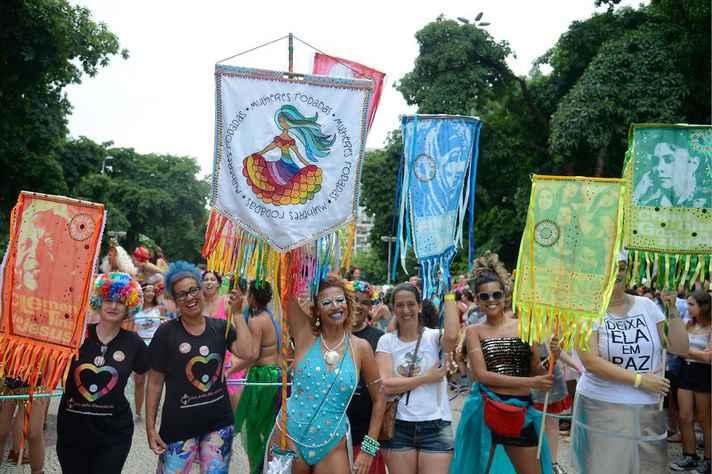 Carnaval é marcado por manifestações contra assédio contra mulheres
