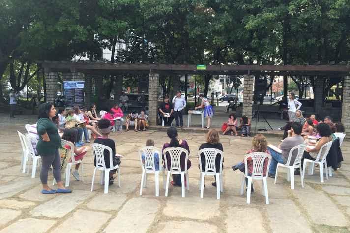 A oficina desta quinta-feira foi realizada na Praça Floriano Peixoto