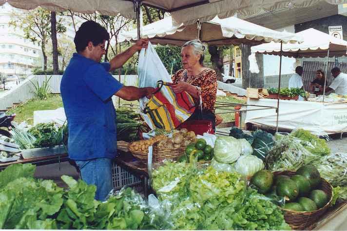 Feiras livres também integram políticas de segurança alimentar em BH