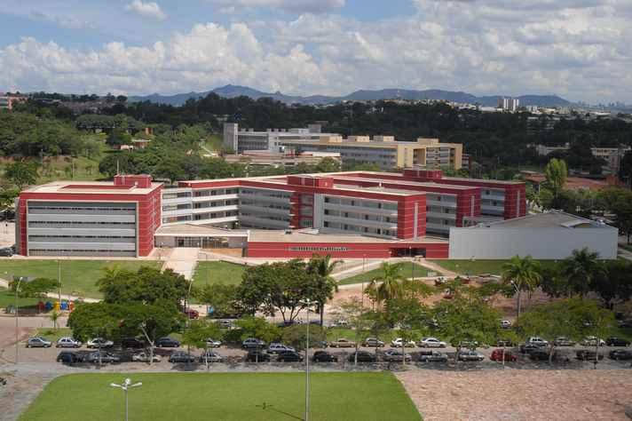 Vista aérea da Faculdade de Ciências Econômicas, no campus Pampulha