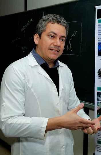 Luiz Carlos Oliveira: princípio químico favorece as múltiplas aplicações do nióbio