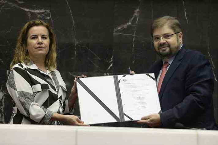 Sandra Goulart Almeida e Agostinho Patrus: