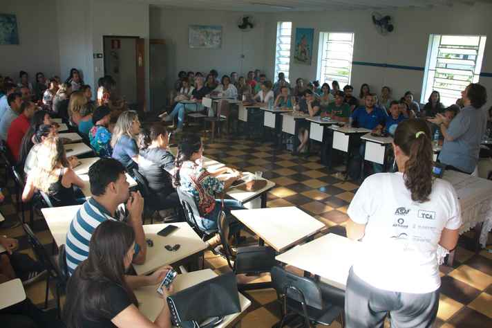 Grupos da UFMG promovem ações de orientação às famílias atingidas