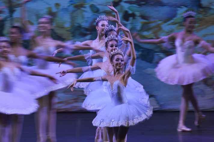 Na imagem, o ballet Bolshoi de Joinville