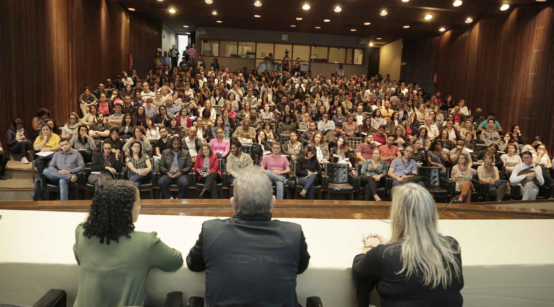 Seminário reuniu a comunidade universitária no auditório da Reitoria
