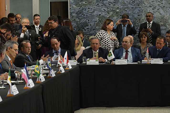 Governadores participam de reunião e Brasília para pleitear recursos do governo federal
