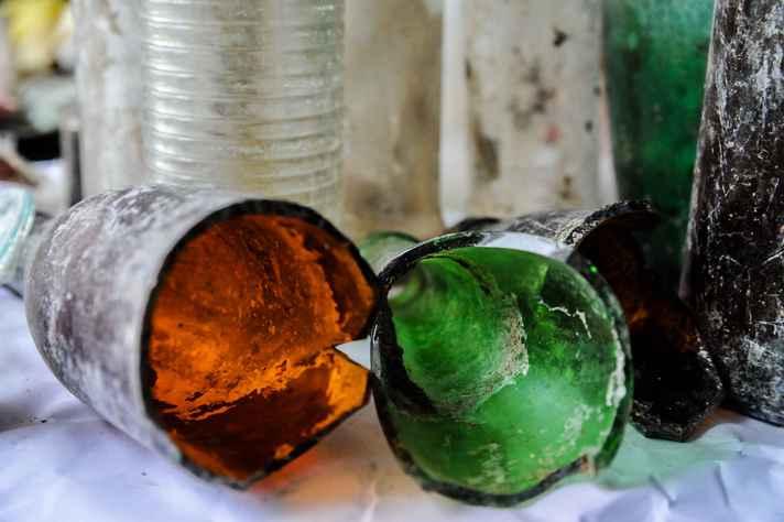 Materiais de vidro descartados no aterro sanitário de Belo Horizonte
