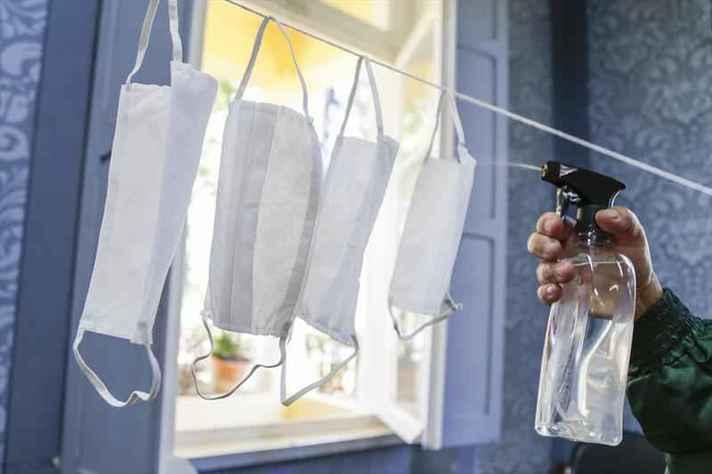 Píluas esclarecem maneira correta de colocar, tocar e lavar a máscara