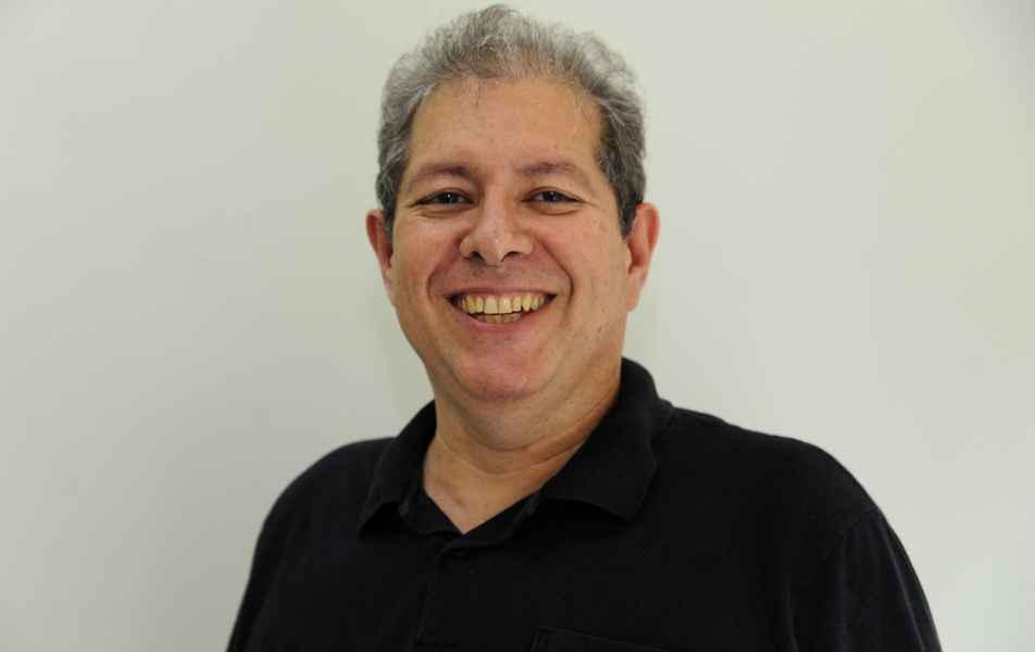 """<p>Diretor de Tecnologia da Informação<br><a href=""""http://somos.ufmg.br/professor/dorgival-olavo-guedes-neto"""" target=""""_blank"""">Dorgival Guedes</a>, professor do Instituto de Ciências Exatas</p>"""