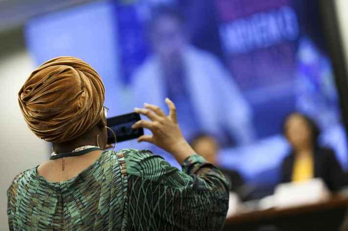 Mulheres negras ocupam apenas xx% das vagas em empresas de tecnologia