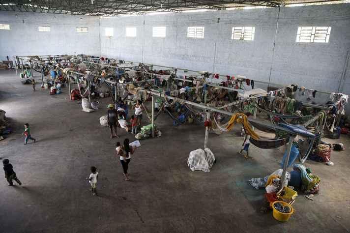 Indígenas venezuelanos, da etnia Warao, são acolhidos em abrigo de Pacaraima (RR)